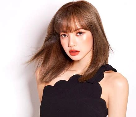 Lisa receives YouTube Gold Play Button | Inquirer